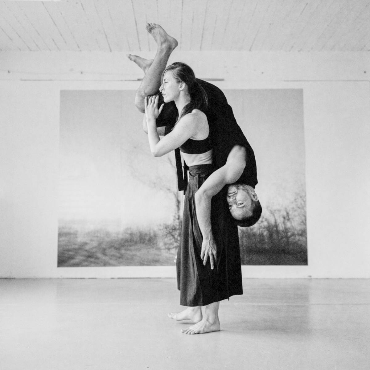 Autin Dance Theatre performing at Stryx gallery. Photography by Ian Jones
